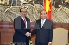 Premier vietnamita recibe a inversores del complejo de refinería petrolera Nghi Son