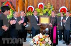 Dirigentes de Vietnam felicitan a comunidad católica por Navidad 2018