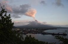 Volcán activo más poderoso de Filipinas arroja cenizas