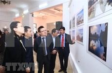 Exponen fotos de VNA sobre relaciones Vietnam-China