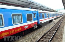 Aumentan fuerte el número de pasajeros que viajan en tren internacional Hanoi-Nanning