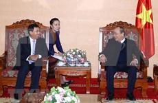Premier vietnamita recibe a gobernador  del Banco de Laos