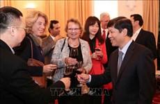 Resaltan papel de reporteros extranjeros en promoción de imagen de Vietnam al mundo