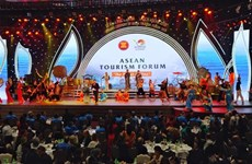 Inauguran Foro de Turismo de ASEAN 2019 en provincia vietnamita de Quang Ninh