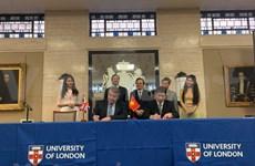 Firman Vietnam y Reino Unido decenas de documentos de cooperación educativa