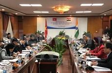 Promueven Vietnam e India cooperación bilateral en economía y comercio