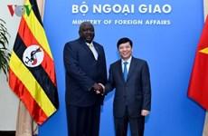 Buscan Vietnam y Uganda impulsar vínculos bilaterales