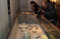 Exponen en Vietnam antigüedades recuperadas de barcos naufragados