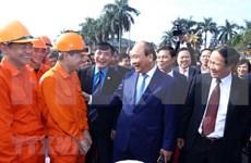 Visita Premier de Vietnam la cuna de movimiento obrero en ocasión de Año Nuevo Lunar
