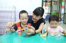 Contribuye profesora japonesa a mejorar la calidad educativa en Vietnam