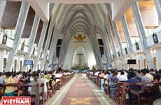 Vidas apacibles y alegres en las zonas católicas
