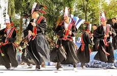 Celebración de la primavera en el burgo de Pinh