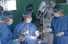 Hospital vietnamita realiza con éxito su primera cirugía asistida por robot