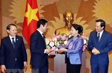 Resalta máxima legisladora vietnamita asistencia de comunidad empresarial a actividades caritativas