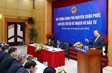 Exhorta primer ministro de Vietnam a impulsar reformas en planificación de políticas de desarrollo económico
