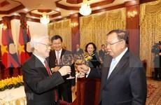 Ratifican relaciones de gran amistad y solidaridad especial entre Vietnam y Laos