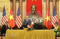 Firman acuerdos multimillonarios aerolíneas vietnamitas y compañías estadounidenses
