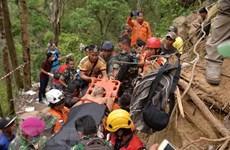 Casi 100 personas atrapadas tras derrumbe en una mina de Indonesia, vaticina funcionario