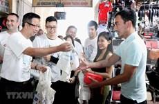 Ciudadanos de Ciudad Ho Chi Minh se unen para limpiar residuos plásticos