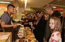 Destacan alta participación en Festival de Comida Callejera de Vietnam en Rusia