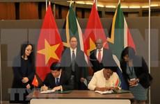 Vietnam y Sudáfrica robustecen cooperación integral