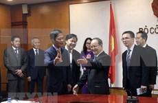 Resalta Vietnam importancia de la cooperación con provincia china de Guangxi