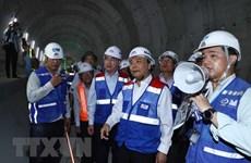 Inspecciona premier vietnamita obra del metro en Ciudad Ho Chi Minh