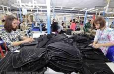 Llaman en Vietnam a incrementar salarios de trabajadores textiles