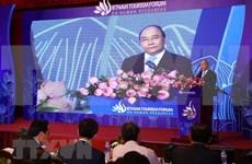 Exhorta premier de Vietnam a explotar potencialidades de la comunidad para desarrollar el turismo