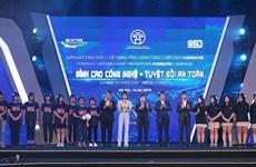 Entregan 10 mil cascos protectores a estudiantes vietnamitas