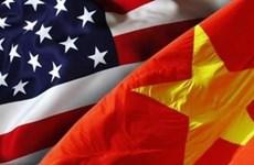 Visita Vietnam delegación de asistentes de legisladores estadounidenses