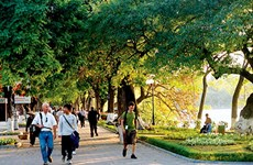 Busca Hanoi elevar gastos de los turistas
