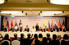 Firman ministros de Economía de ASEAN acuerdos de servicios e inversión