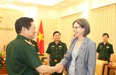 Recibe ministro vietnamita de Defensa al embajador canadiense
