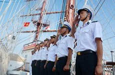 Buque escuela de Armada Popular de Vietnam visita Singapur