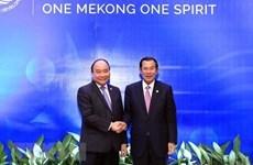 Premier vietnamita se reúne con su homólogo camboyano durante Foro de Franja y Ruta en China