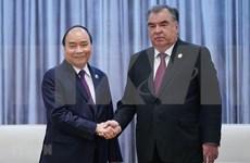 Premier vietnamita se reúne con presidente de Tayikistán en Beijing