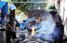 Competencia de fundición tradicional de campanas y tambores en Thanh Hoa