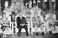 Resaltan papel de expresidente vietnamita Le Duc Anh a lucha contra régimen genocida en Camboya