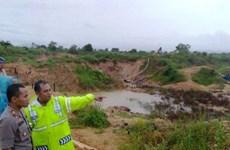 Mueren cinco personas tras derrumbe de mina de oro en Indonesia