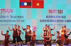 Efectúan intercambio cultural entre minorías étnicas en provincias fronterizas de Vietnam y Laos