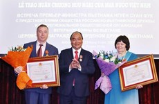 Primer ministro de Vietnam continúa actividades en Rusia