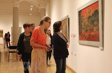 Presentan pinturas de laca de Vietnam en Rusia
