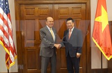 Vietnam y EE.UU. promueven cooperación económica y defensa