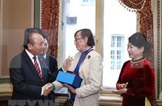 Premier vietnamita se reúne con diplomáticos y expertos suecos
