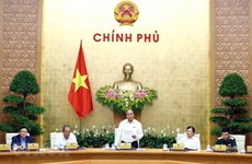 Premier vietnamita insta a mayores esfuerzos para cumplir objetivos de desarrollo socioeconómico
