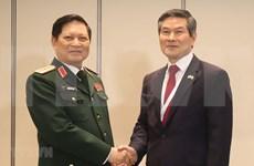 Ministro de Defensa de Vietnam cumple amplio programa de encuentros en Singapur