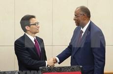 Costa de Marfil estudia experiencia vietnamita en desarrollo de gobierno electrónico