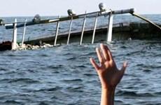 Desaparecen 19 personas tras naufragio de barco en Indonesia