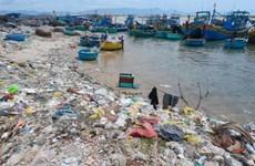 Efectúan en Vietnam exposición fotográfica sobre desechos plásticos